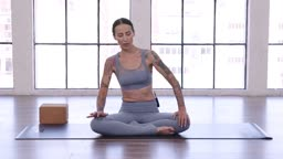 Stretch and Strengthen with Eleonora Zampatti's Splits and Flexibility Sequence